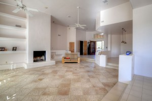Sincuidados Home for Sale in North Scottsdale - Living Room