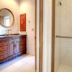 Sincuidados Home for Sale in North Scottsdale - Guest Bathroom