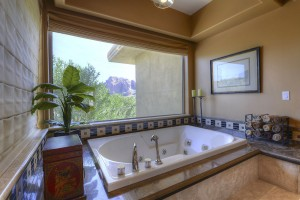 Marion_Estates_Master Jetted Tub