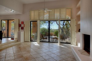 Sincuidados Home for Sale in North Scottsdale - Living Room View